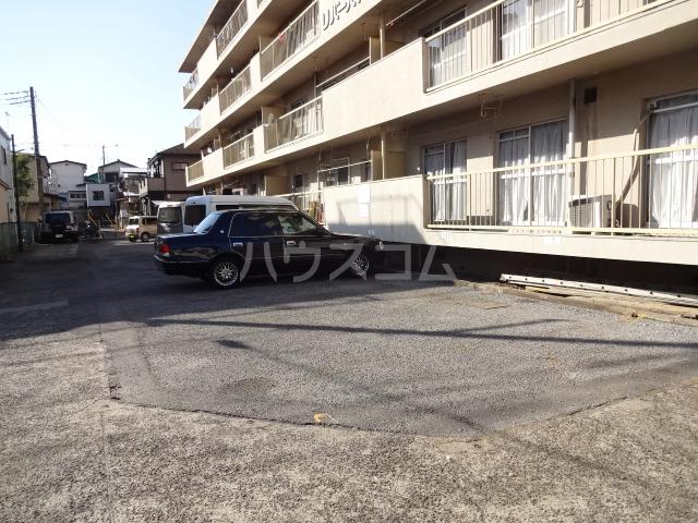 リバーハイム習志野台 130号室の駐車場