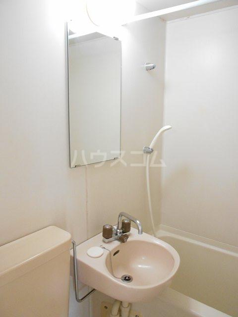クレールフチノベ 101号室の洗面所