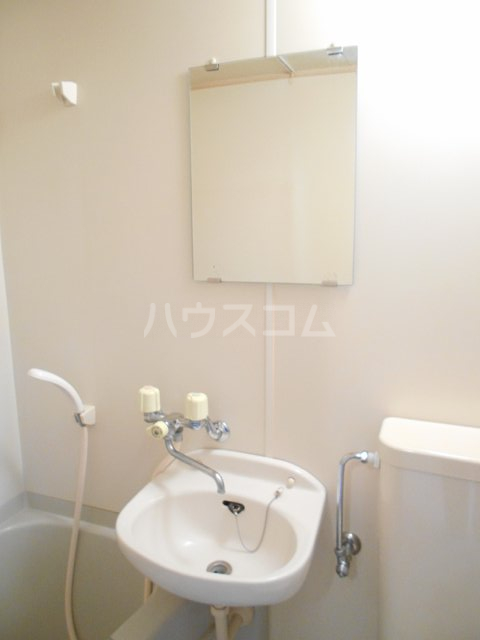 プチメゾンミカドⅡ 103号室の洗面所