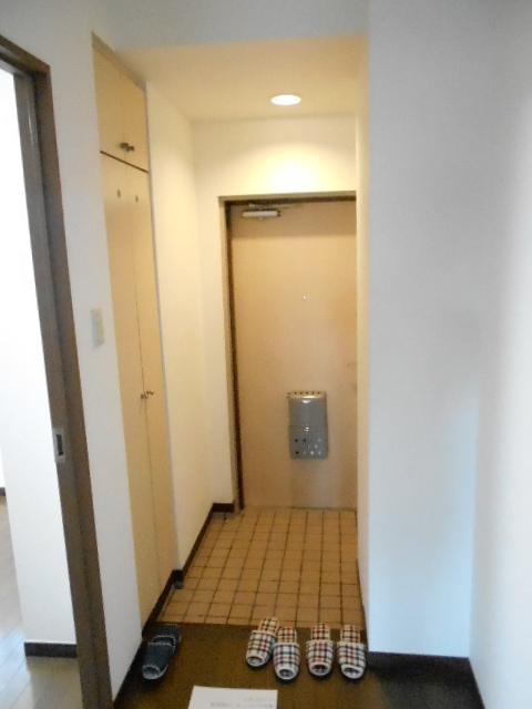 第26明智ビル 302号室の玄関