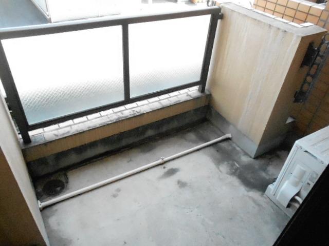 第26明智ビル 302号室のバルコニー