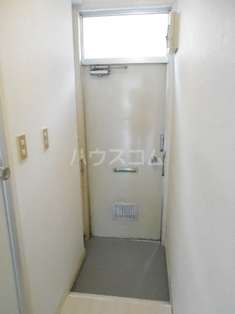 メゾン優 202号室の玄関