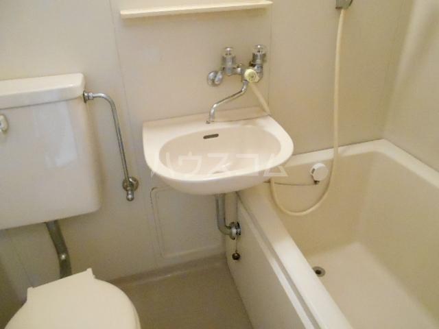 メゾン優 202号室の洗面所