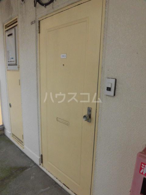 レパードマンション 202号室のエントランス