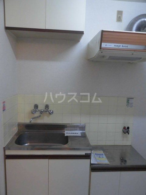 レパードマンション 202号室のキッチン