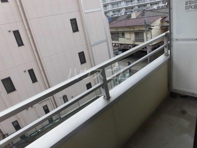 レパードマンション 202号室のバルコニー