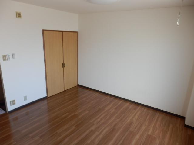 丸山ビル 20A号室のリビング