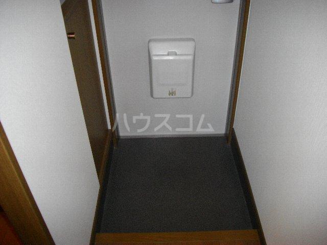 サリチェ烏森 201号室の玄関