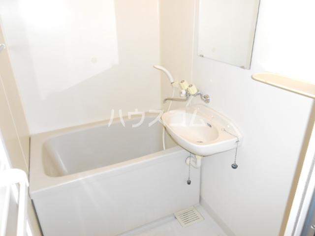 プラゼール 2B号室の風呂