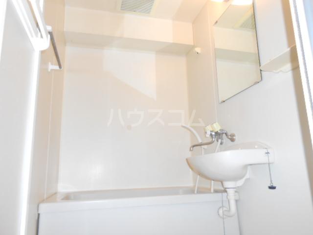プラゼール 2B号室の洗面所