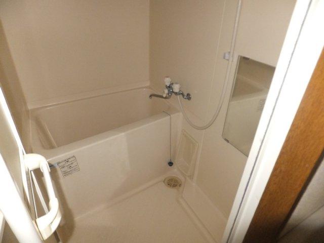 BBビル 1006号室の風呂