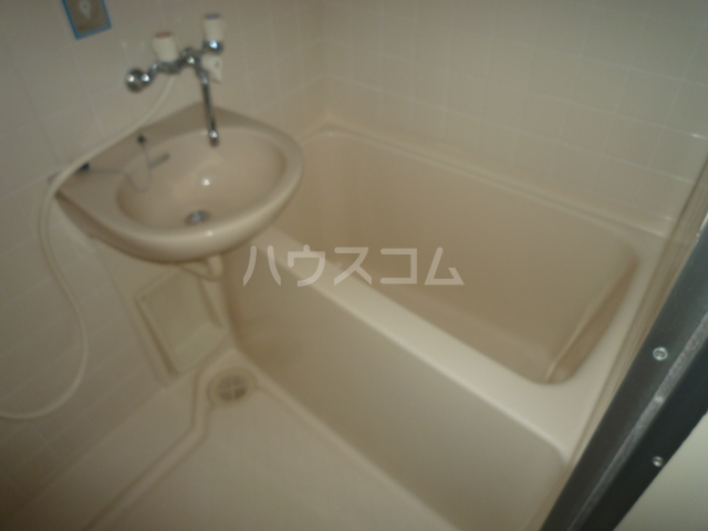 レジェンドミヤタ 203号室の風呂