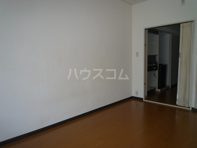 レジェンドミヤタ 203号室の居室