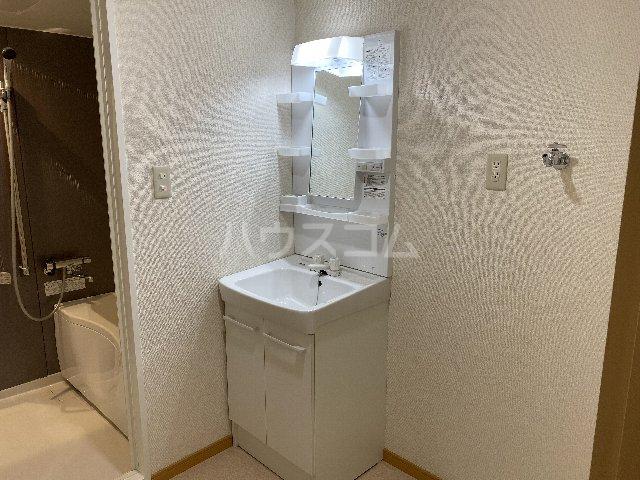 I.s No.7 1B号室の洗面所