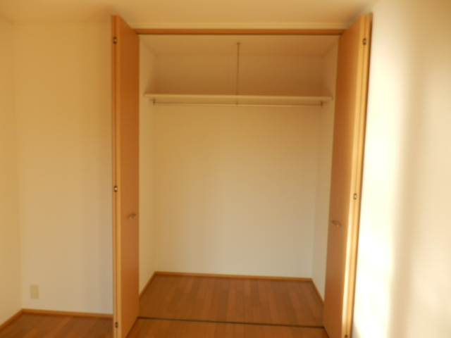 ガーデンガリジェ 202号室の収納