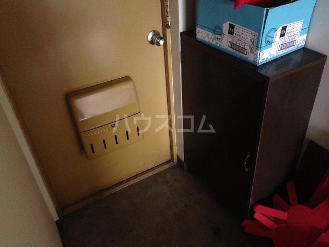 泉第一ビル 403号室の玄関