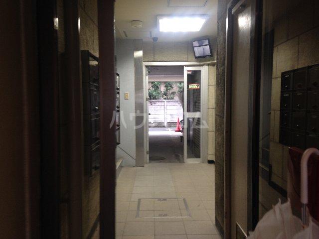 泉第一ビル 403号室のロビー