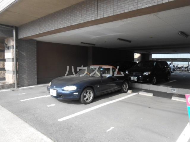 現代ハウス黄金 806号室の駐車場