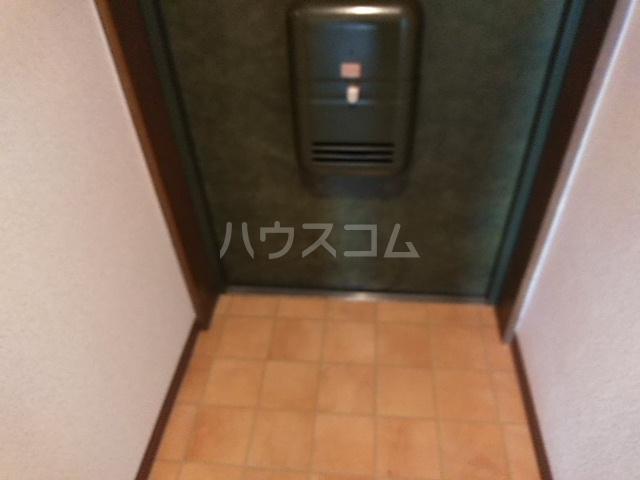 キャッスル若宮 502号室の玄関