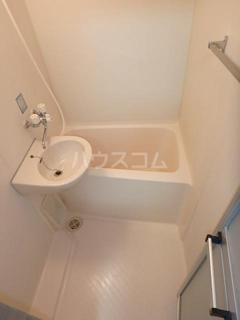 DAIMAN HOUSE 七宝 401号室の風呂