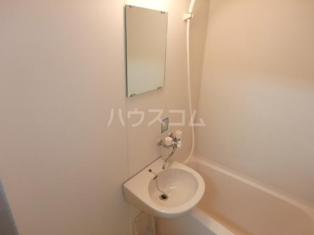 DAIMAN HOUSE 七宝 401号室の洗面所
