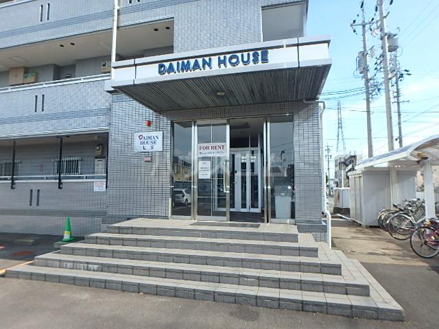 DAIMAN HOUSE 七宝 401号室のエントランス