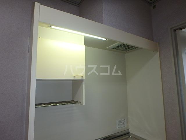 DAIMAN HOUSE 七宝 401号室のキッチン