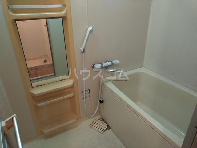 ディアコート真 102号室の風呂