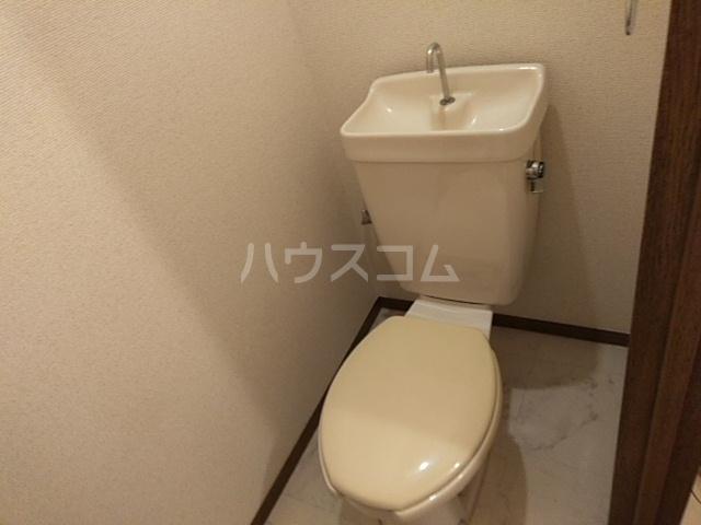 ディアコート真 102号室のトイレ