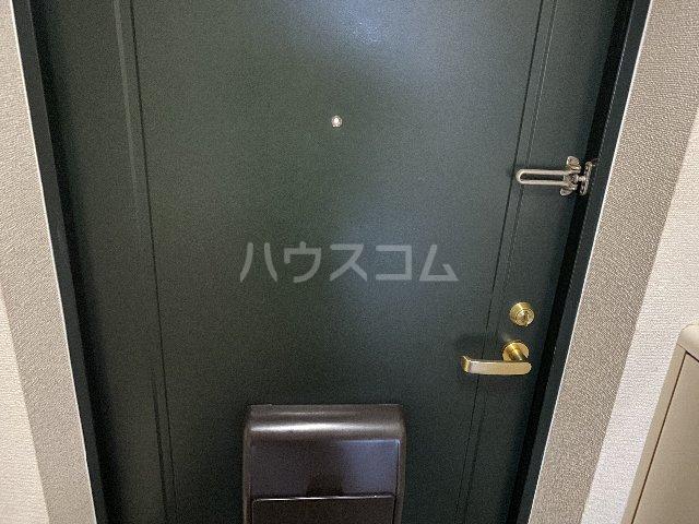ドルフ亀島Ⅳ 103号室の玄関