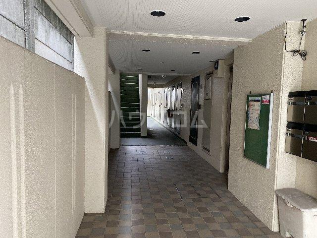 ドルフ亀島Ⅳ 103号室のロビー