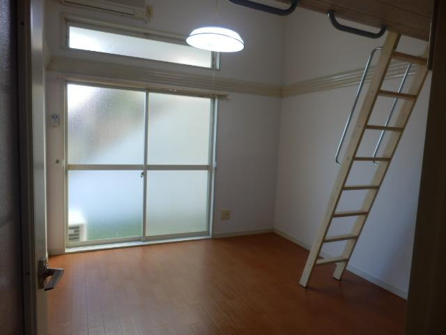 サーフメゾン 201号室の居室
