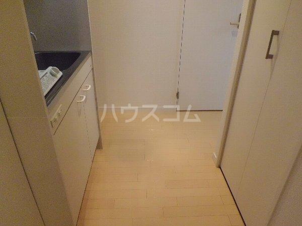 メゾン・たくづの 203号室の玄関