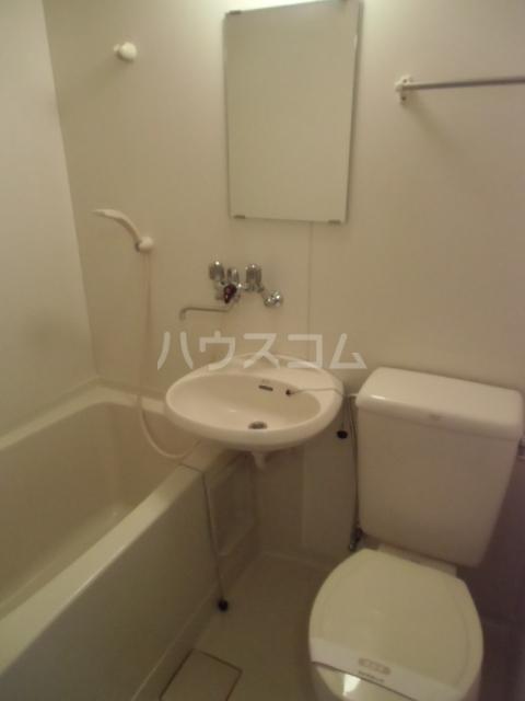 アネックス小泉 203号室の洗面所