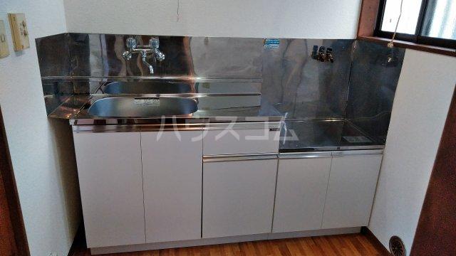 メグミハイツ 7号室のキッチン
