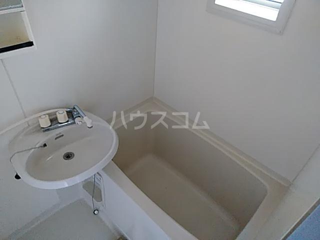 アイネス能見台 102号室の風呂
