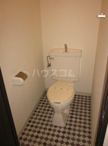ペルレ金沢文庫 404号室のトイレ