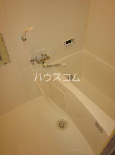 ペルレ金沢文庫 404号室の風呂