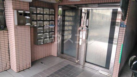 湘南金沢文庫ハイツ 206号室のエントランス
