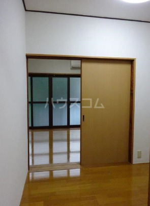 メッサージュ栗木 204号室のベッドルーム