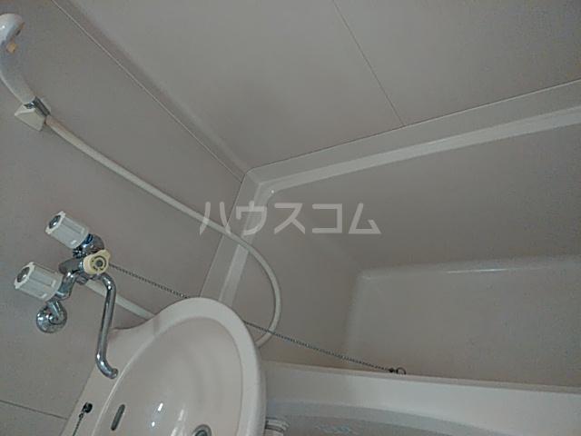 ラ・フォーレマリ 204号室の風呂