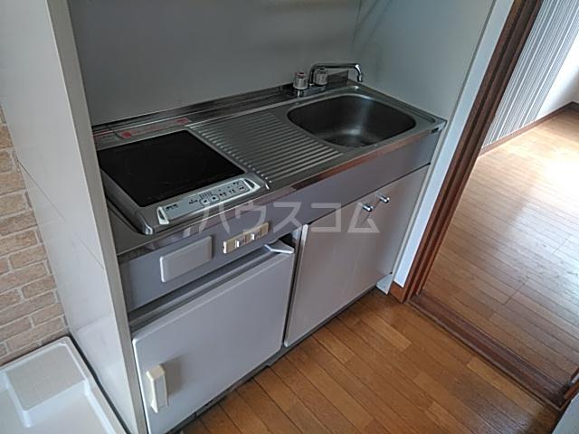 ラ・フォーレマリ 204号室のキッチン