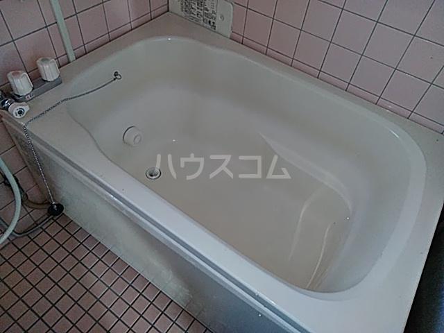 西川ビル 703号室の風呂