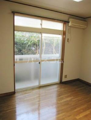 チュベローズ金沢 1A号室のリビング