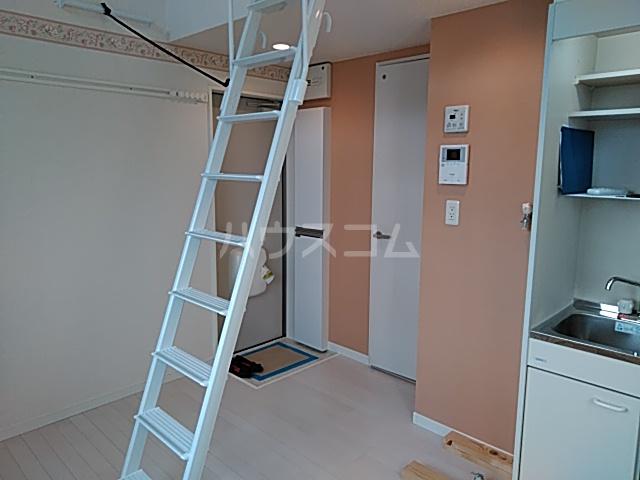 ユナイト根岸ストーン・ローゼス 101号室の居室