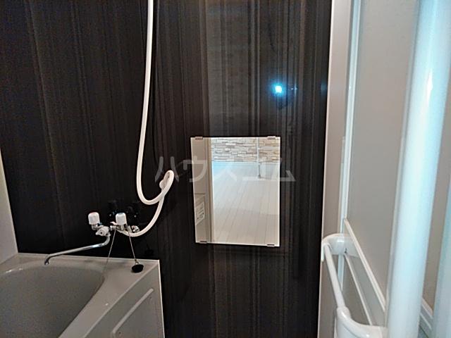 ユナイト根岸ストーン・ローゼス 102号室の洗面所
