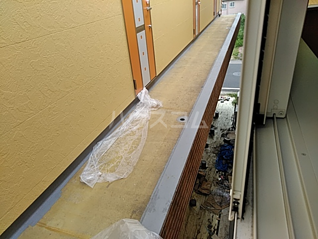 ユナイト根岸ストーン・ローゼス 102号室のバルコニー