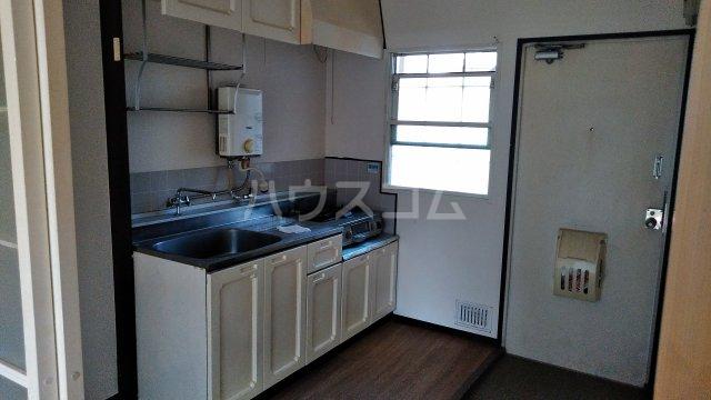 ハイツカトレアA棟 102号室のキッチン