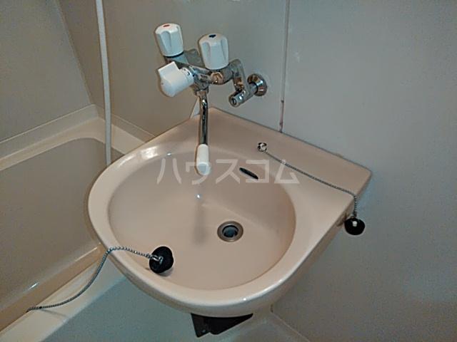 洋光台コープ今井 204号室の洗面所