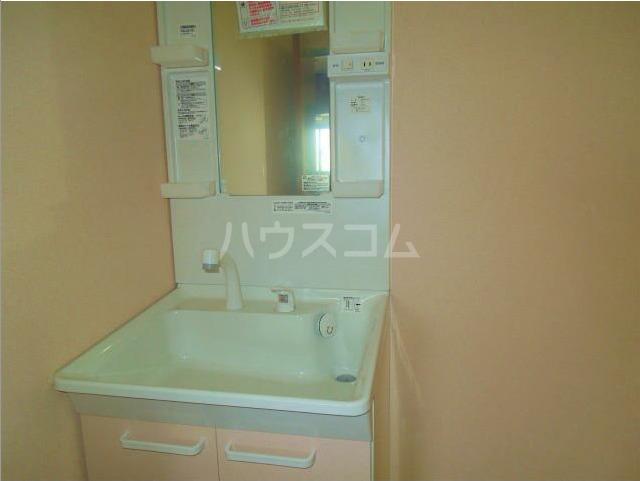 コートパレス若竹 306号室の風呂